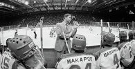 A Hockey Legend: Viktor Tikhonov's Life in Pictures