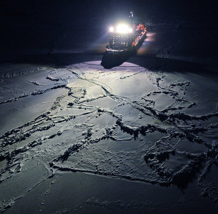 """View from the helicopter on the nuclear icebreaker """"50 Years of Victory"""", heading to the North Pole"""