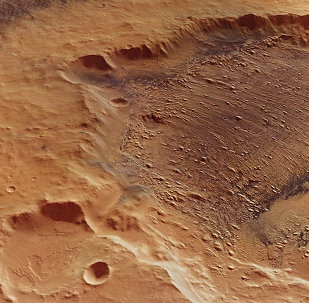 Mars Express captures Danielson crater
