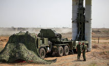 File Photo: Preparing to fire an S-400 Triumf anti-aircraft missile at the Ashuluk proving grounds during an Aerospace Defence Forces tactical drill