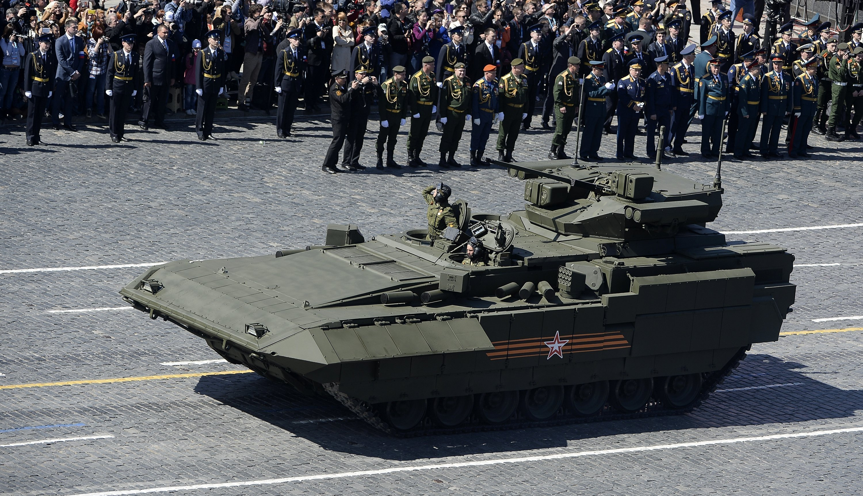Modern Warfare Russia S T 15 Armata Tank S Younger Brother