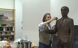 Russia: Feast your eyes on this life-size CHOCOLATE Putin