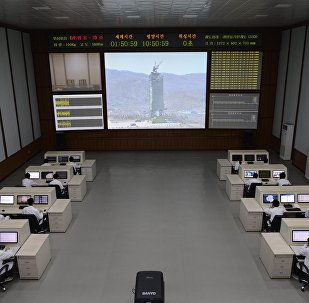North Korea technicians watch live images of the rocket Unah-3 at the satellite control room of the space center on the outskirts of Pyongyang on April 11, 2012 (File)