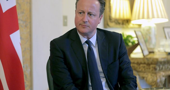 British Prime Minister David Cameron attends a bilateral meeting with New Zealand Prime Minister John Key at the British Embassy in Washington, March 31, 2016.