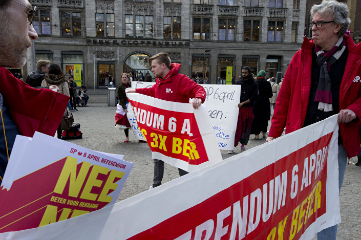 Voters in the Netherlands campaign for a no vote on the plan to grant Ukraine full EU membership