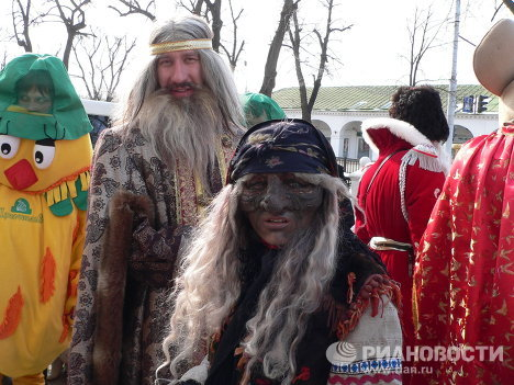Parade of fairy tale characters in Kostroma