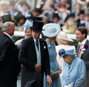 Britain's Prince William, Duke of Cambridge, (C) and Britain's Queen Elizabeth II (R) attend on day one of the Royal Ascot horse racing meet, in Ascot, west of London, on June 18, 2019.