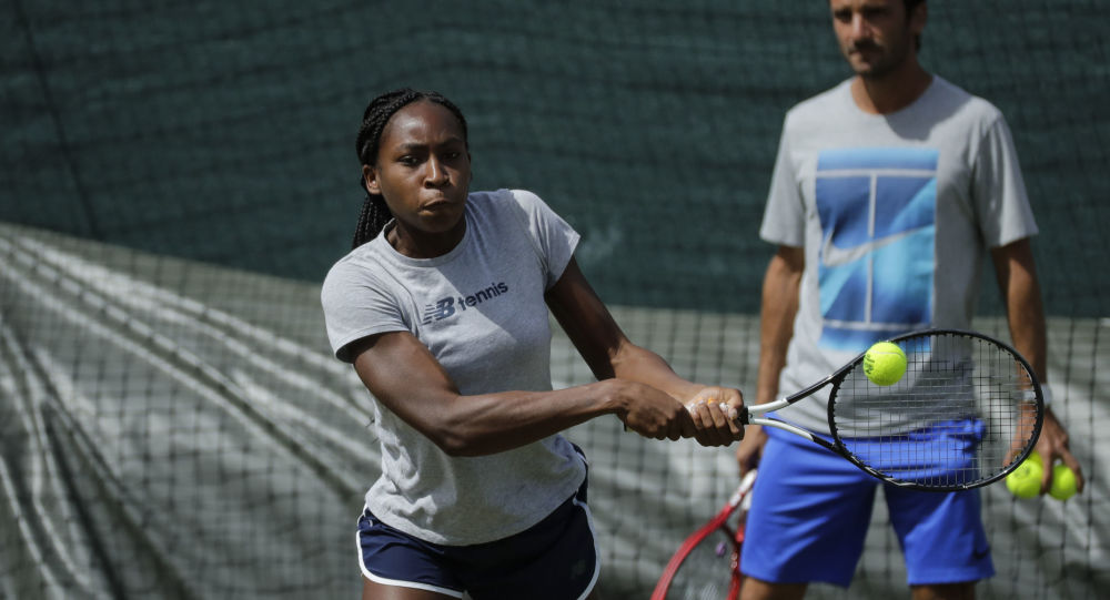 15-year-old Cori Gauff upsets Venus Williams at Wimbledon