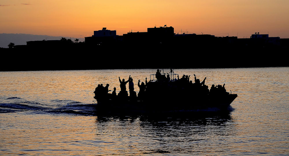 A boat carring Tunisian migrants (File)