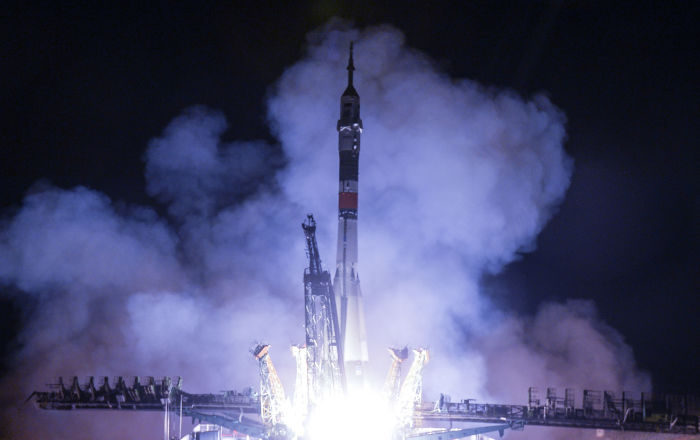 Detailed Footage of Russian Soyuz Spacecraft Docking With ISS Filmed From Earth Awes Spectators
