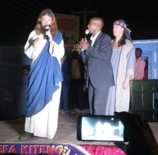 A Kenyan pastor claims he has found Jesus Christ walking on the streets of Kenya. Took the whiteman to his church, gave him a warm welcome and now his church followers are happy that Jesus has finally come back!