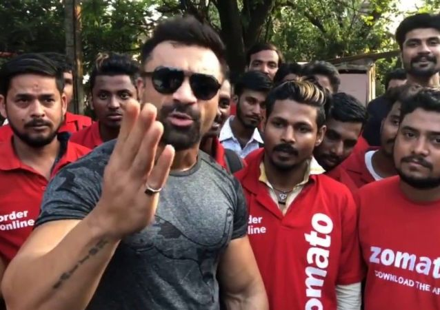 Ajaz Khan Slams Zomato