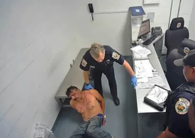 US Cop Charged For Violently Smashing Suspect's Head Into Concrete Wall