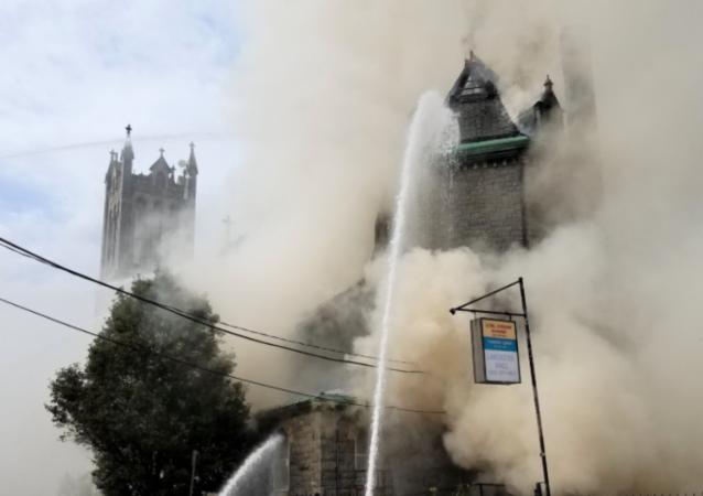 Massive Three-Alarm Fire Engulfs 115-Year-Old US Church