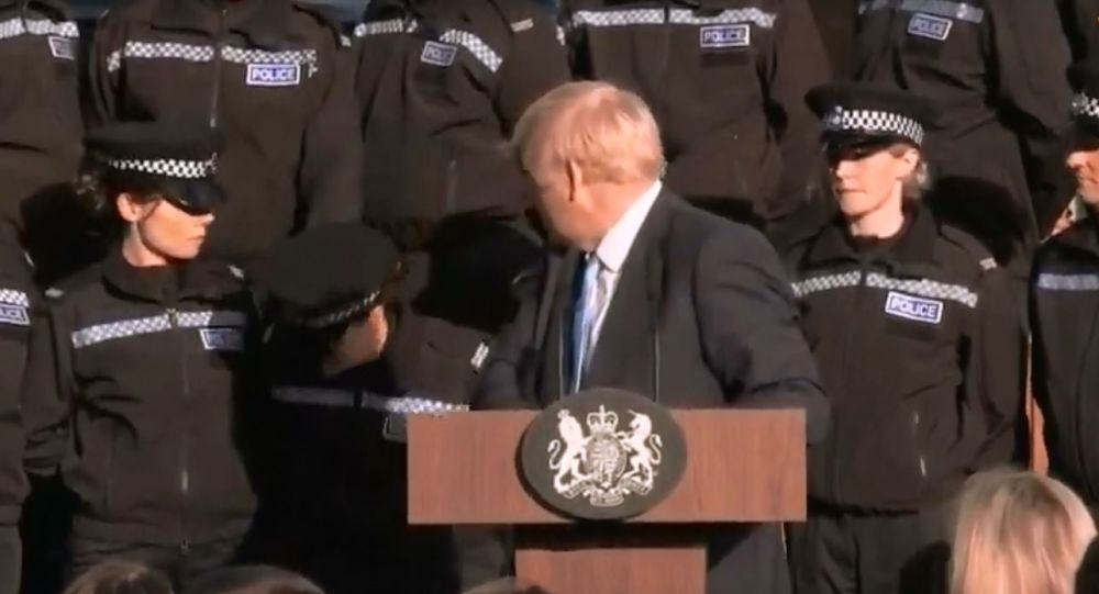 Boris Johnson Pause Brexit Speech as Police Officer Nearly Faints During Address