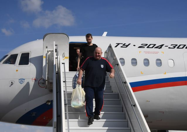 A plane with people released under Moscow-Kiev landed in Moscow