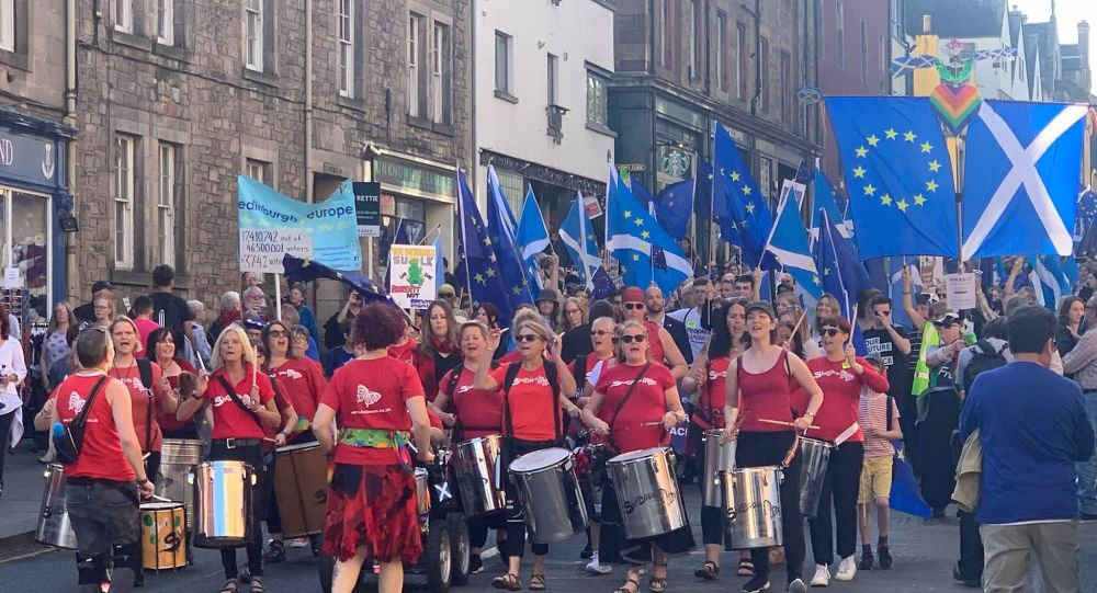 EU supporters March to Remain in Edinburgh