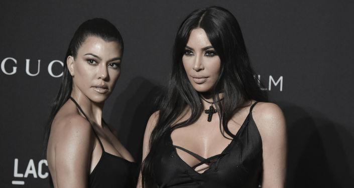 Kourtney Kardashian, left, and Kim Kardashian attend the 2018 LACMA Art+Film Gala at Los Angeles County Museum of Art on Saturday, Nov. 3, 2018, in Los Angeles