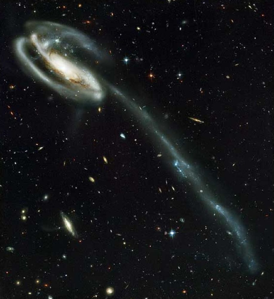 Hubble: The Sky Eye Discovering Top Secrets of the Universe