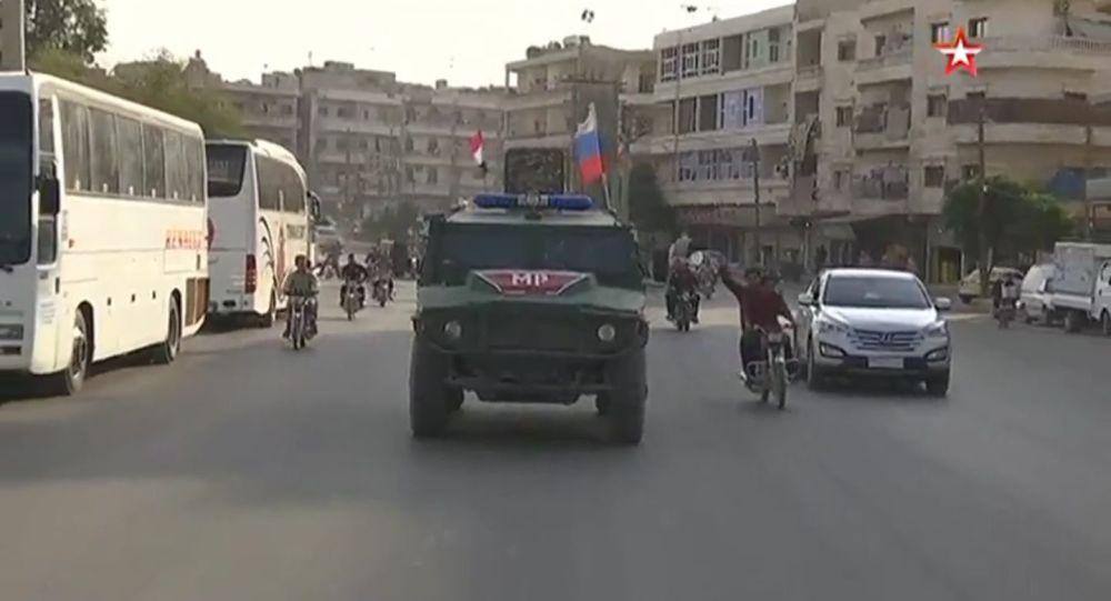 Manbij patrols by Russian military police