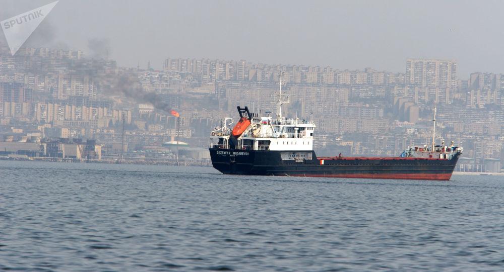 A tanker heading for the open sea - Baku