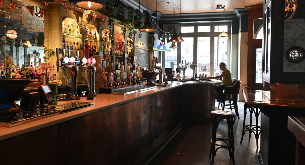 UK Conservative Lawmaker Calls For Pubs, Restaurants to Be Open by Easter