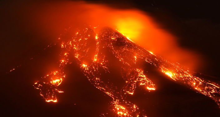 Video: Rain of Lapilli and Ash Fall on Villages Near Etna Volcano After Latest Eruption