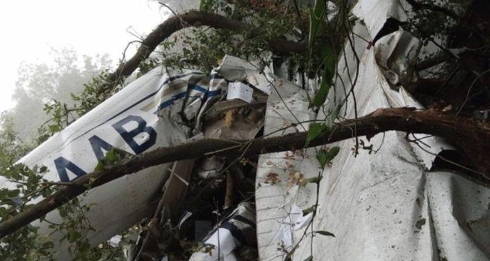 Three Dead as Training Aircraft Crashes in Lebanon – Photos