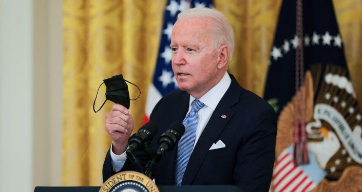 Biden Menarik Sekatan COVID Baru sebagai Flip-Flops Rumah Putih atas Amanat Vaksinasi Persekutuan