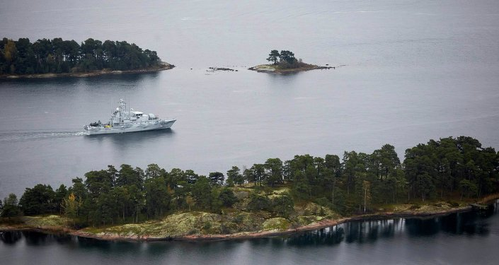Swedish minesweeper HMS Koster patrols the waters of the Stockholm archipelago, October 19, 2014.