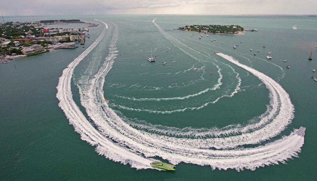 Ки-Уэст, Флорида. Гонки на лодках в классе Superboat
