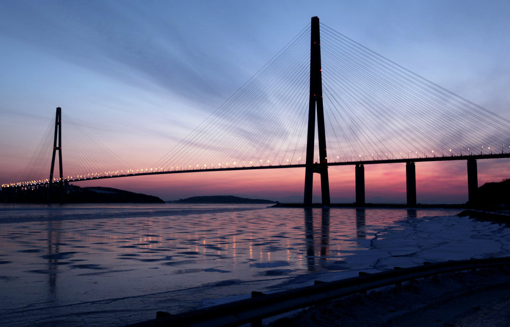 Cable-stayed bridge to Russky Island