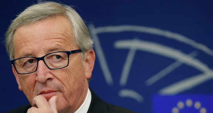 The Luxembourg tax evasion scandal is embarrassing to new European Commission President Jean-Claude Juncker: experts