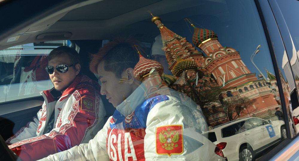 Вручение автомобилей призерам Олимпийских игр в Сочи