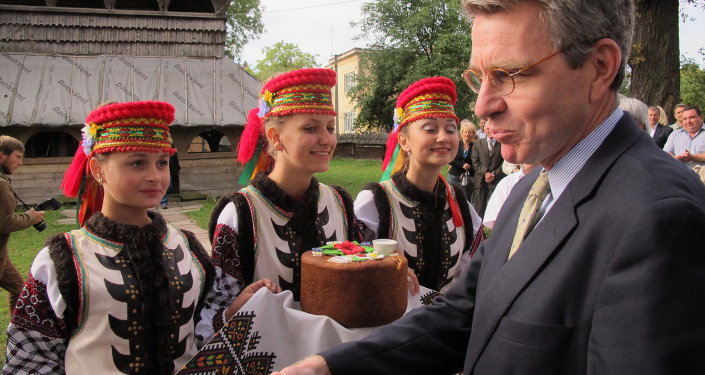 U.S. Ambassador Geoffrey Pyatt Presents Cultural Preservation Grant During His First Regional Trip to Lviv Oblast