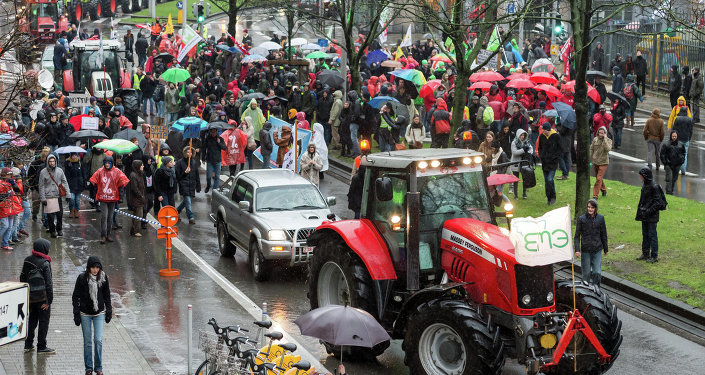 Farmers protest near the European Commission headquarters