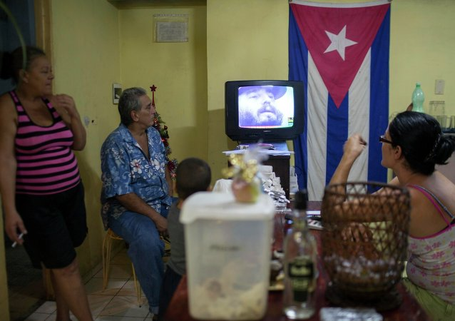 Even though it has been banned for more than 30 years, Christmas has been regaining popularity in Cuba since 1998; the thaw in US-Cuba relations has become an early holiday gift for the nation.