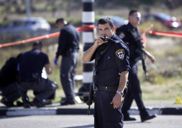 Israeli police officers