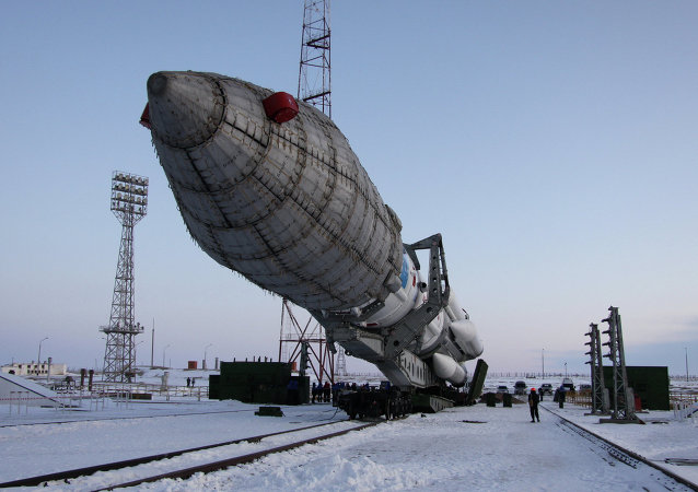 Proton M missile transported to Baikonur launchpad