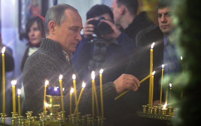 Putin Attends Orthodox Christmas Service at Yuriev Monastery in Veliky Novgorod - Sputnik International