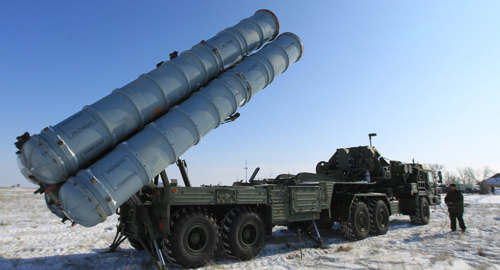 S-400 Triumph (SA-21 Growler) air defense system setting up for launch. File photo.
