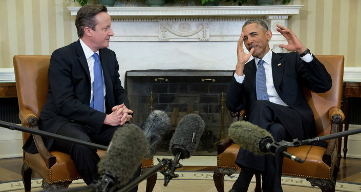 President Barack Obama meets with British Prime Minister David Cameron, Friday, Jan. 16, 2015, in the Oval Office of the White House in Washington