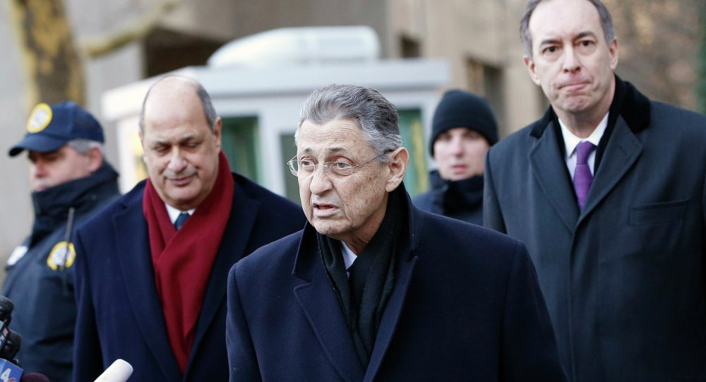 New York Assembly Speaker Sheldon Silver (C) leaves the U.S. Federal Court in the Manhattan borough of New York City January 22, 2015