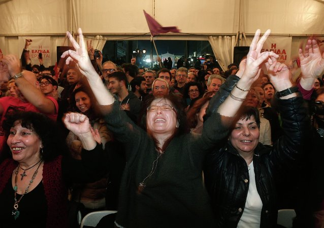 Supporters of radical leftist Syriza party celebrate in Athens January 25, 2015.