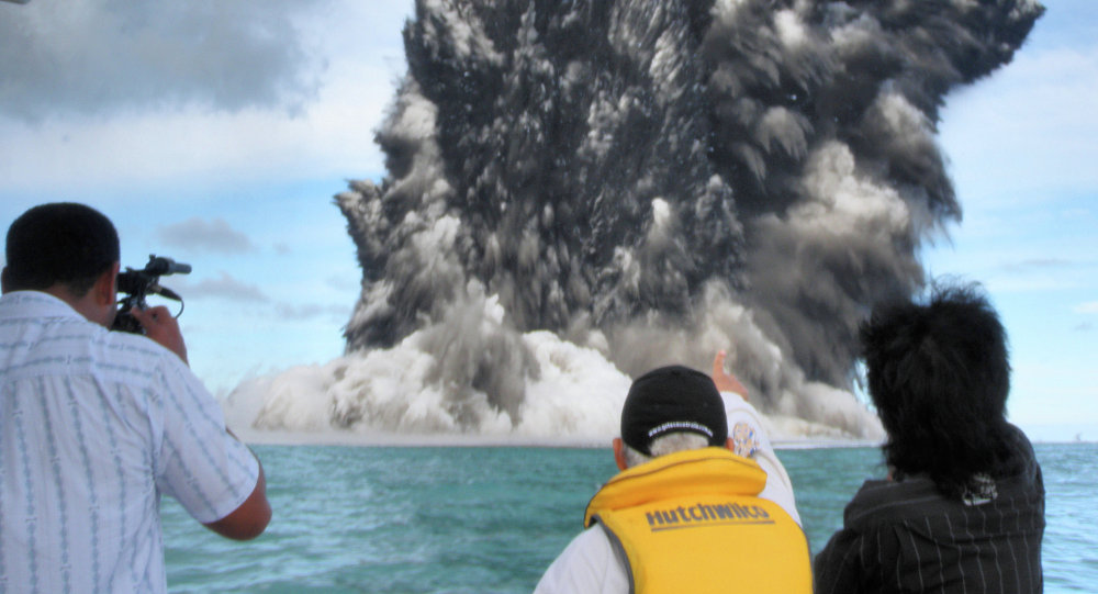 Picture dated March 18, 2009 showing an undersea volcano eruption about 10 to 12 kilometres (six to seven miles) off the Tongatapu coast of Tonga sending plumes of steam and smoke hundreds of metres into the air