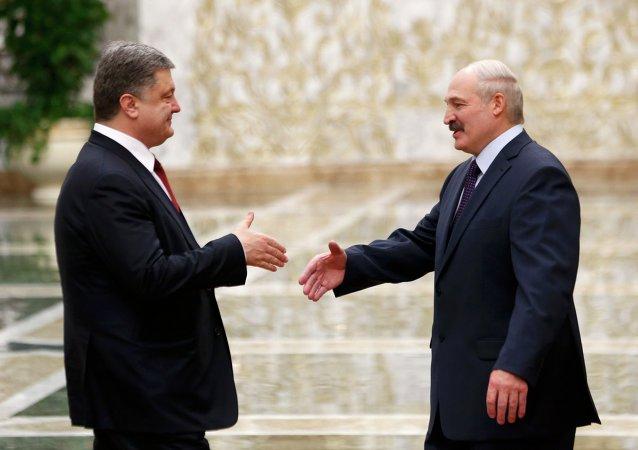 Petro Poroshenko and Alexander Lukashenko