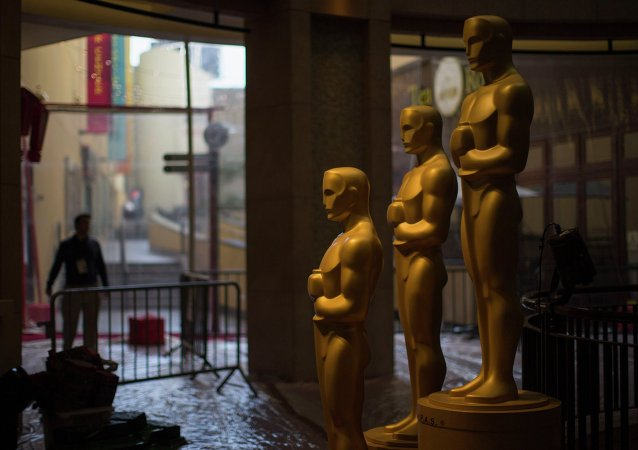 Oscar statues are pictured outside the Dolby Theater during preparations leading up to the 87th Academy Awards in Hollywood, California February 21, 2015. The Oscars will be presented at the Dolby Theater February 22, 2015