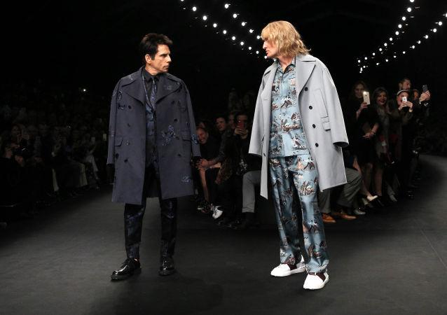 Актеры Бен Стиллер и Оуэн Уилсон демонстрируют коллекцию Валентино на Неделе моды в Париже