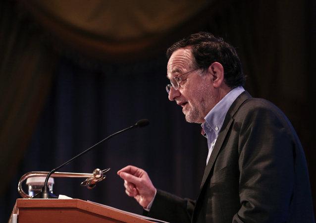 Greece's energy and environment minister Panagiotis Lafazanis addresses
