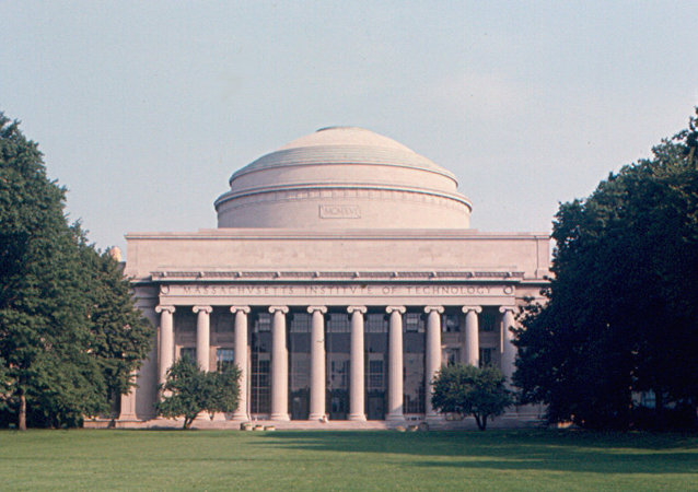 Building 10, the centerpiece of the main campus of MIT, and the dome.